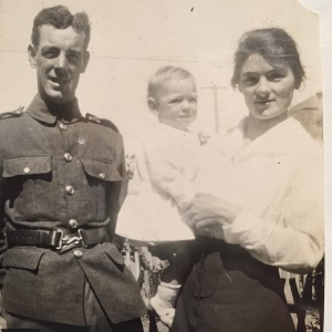 John James 'Jack' Knox with son Jack and wife Rose